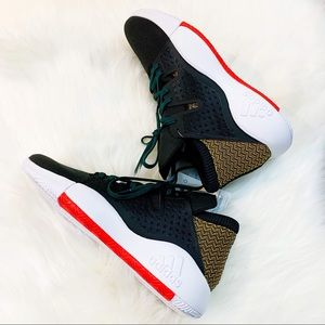Adidas Pro Vision Basketball Sneaker